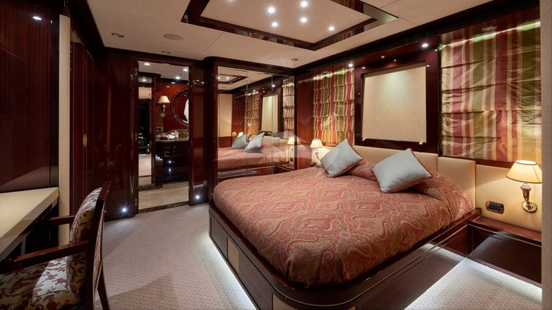 REVE D'OR :: Double Cabin