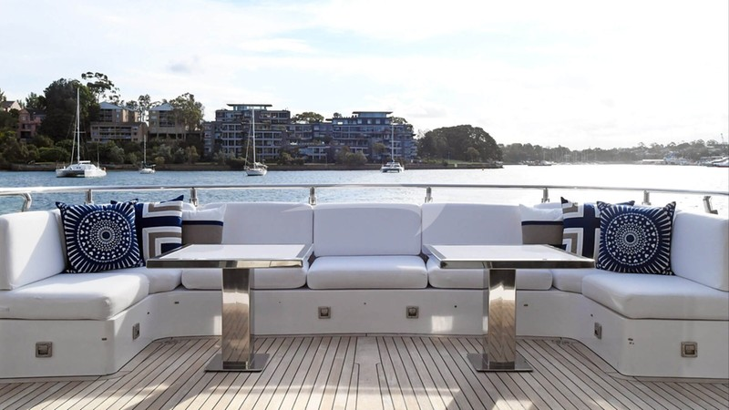 INFINITY PACIFIC :: Aft Deck