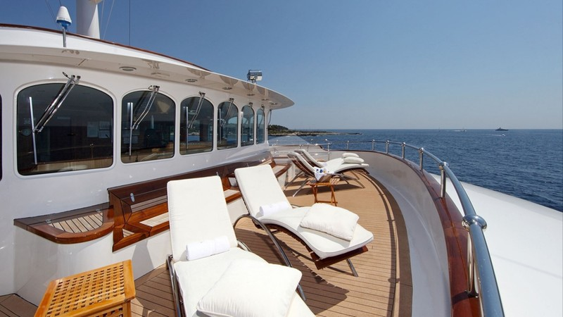 Fore-deck lounging area