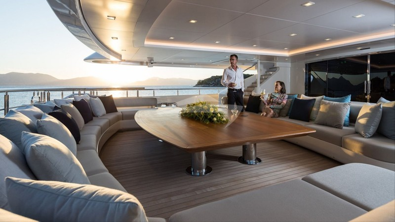 Aft deck space