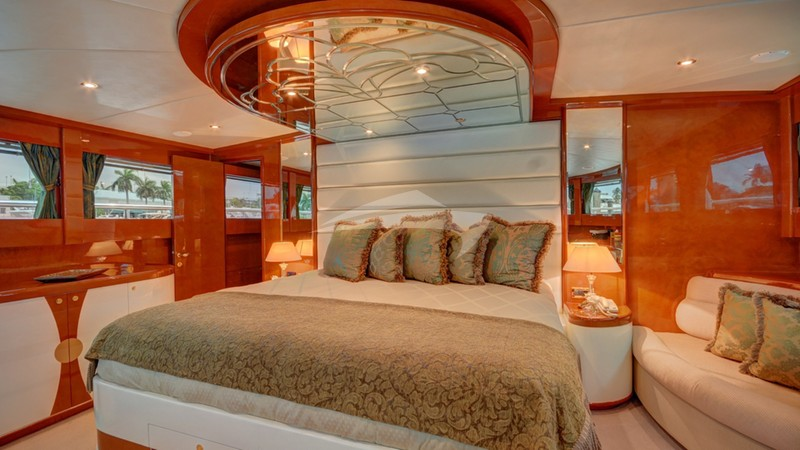 SIXTY SIX :: Master Stateroom