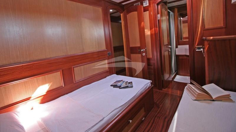 Port Twin Cabin - HAYAL 62 Charter Yacht