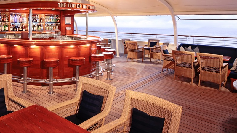 SEADREAM II :: Top of the Yacht Bar with 360 degree views