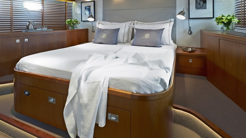 yacht image