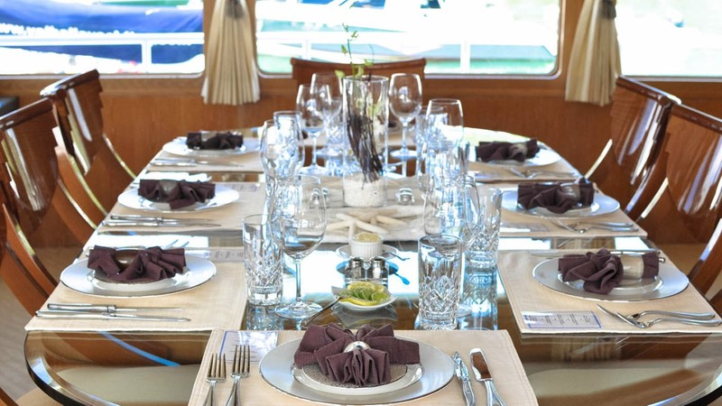 Formal dining area - FREEDOM 120 Yacht Charter