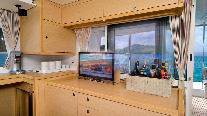 Bar and entertainment area - GYPSY PRINCESS Charter Yacht