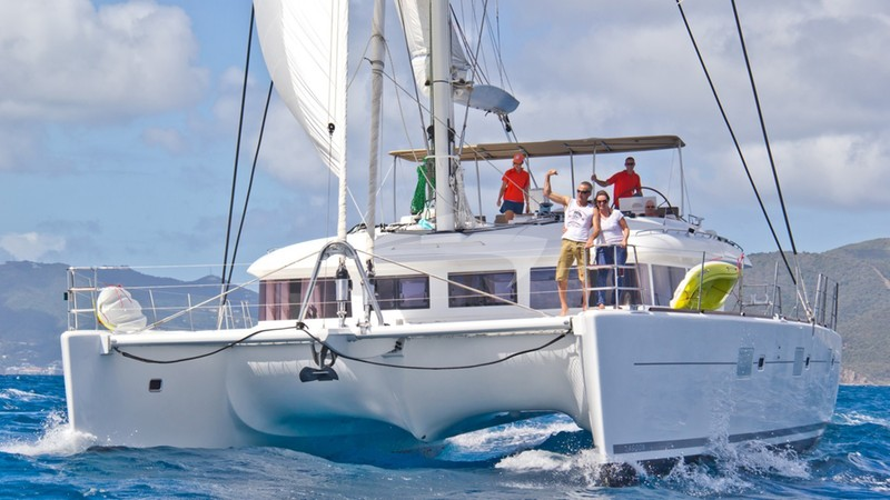Sailing - THE CURE Yacht Charter