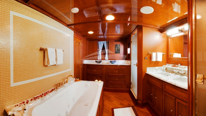 Master ensuite - SEAGULL II Charter Yacht