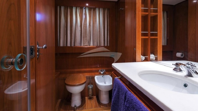 ZAMBEZI :: VIP Bathroom