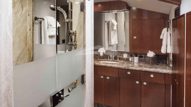 PLAN A :: Master Bathroom