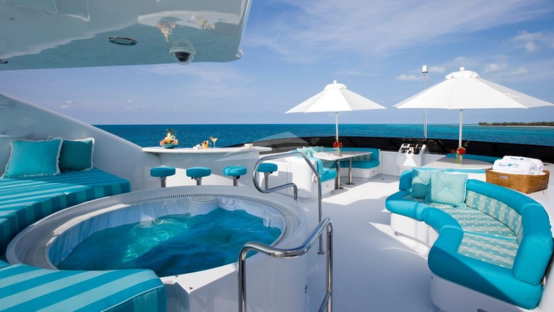INVISION :: Jacuzzi and Top Deck