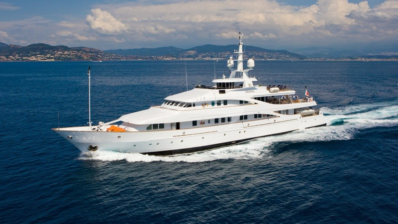 INSIGNIA Yacht Charter
