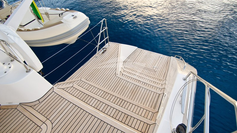 XENIA 62 :: Swimming Platform