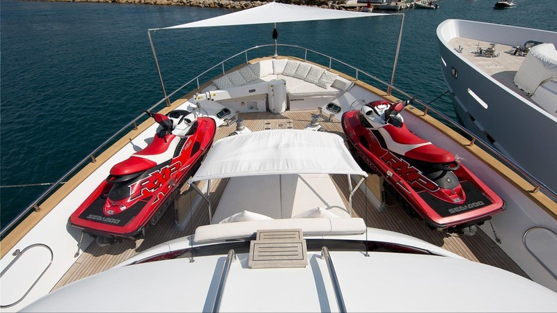 Foredeck and wave runners