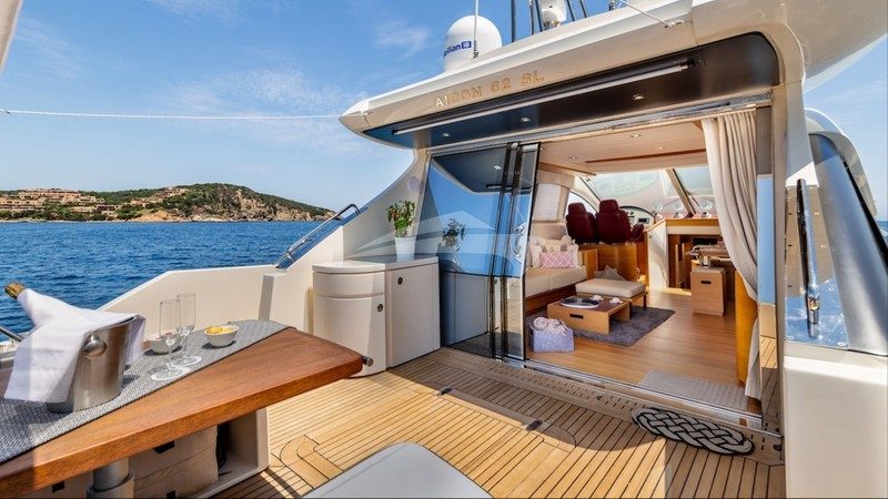 Aft Deck to Salon