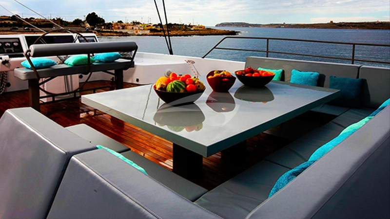 CHE :: Top Deck Seating