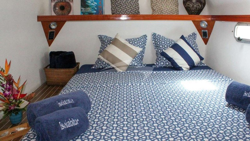 ISOLABLUE :: Beautiful linens in cabins
