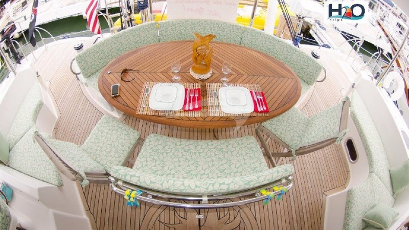 DELPHINE :: Aft Deck Dining