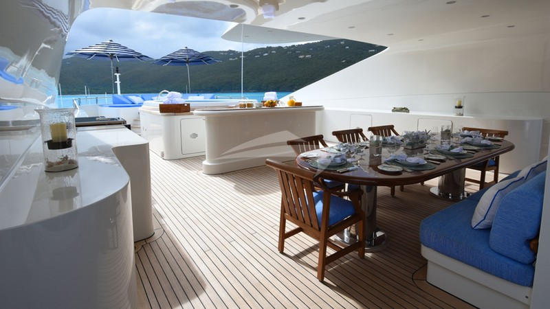LADY MICHELLE :: Upper Aft Deck Dining