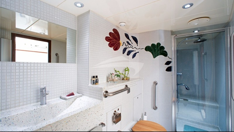 DWINGER :: Shower room