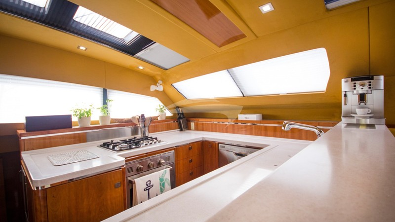 XENIA 50 :: Galley