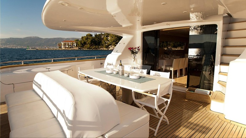 TUSCAN SUN :: Aft deck are and outdoor dining area