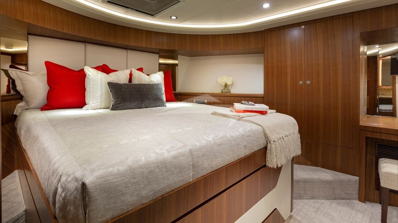 7 DIAMONDS :: Guest Stateroom