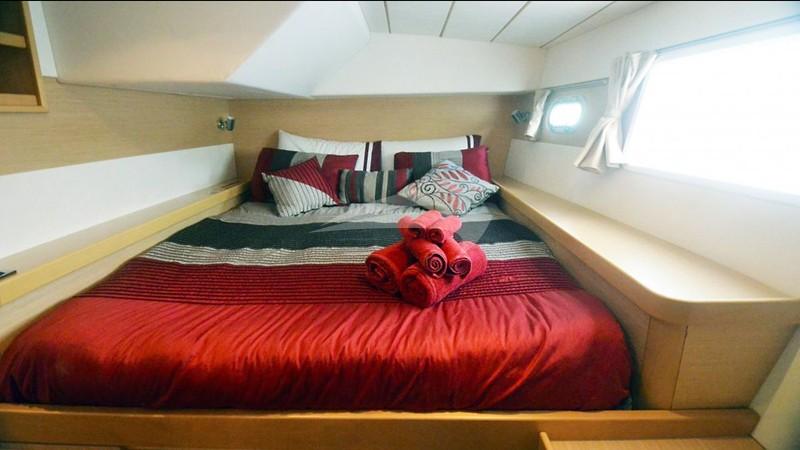 Aft port guest suite - MA HA Charter Yacht