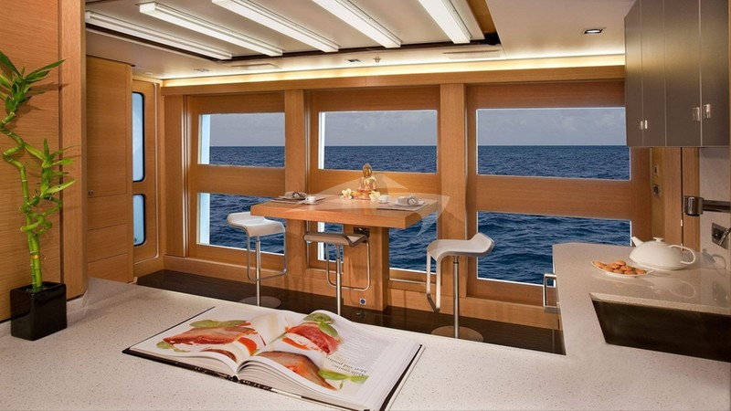BIG FISH :: Master stateroom