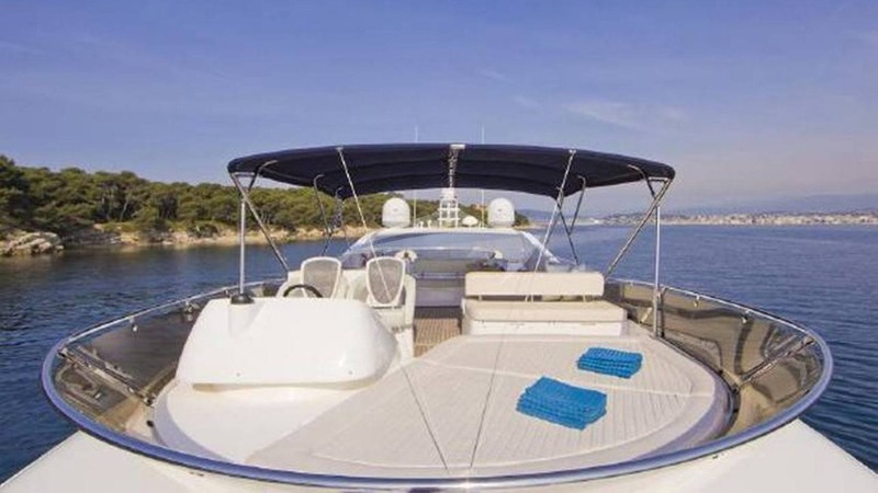 CALA DI LUNA :: Top Deck
