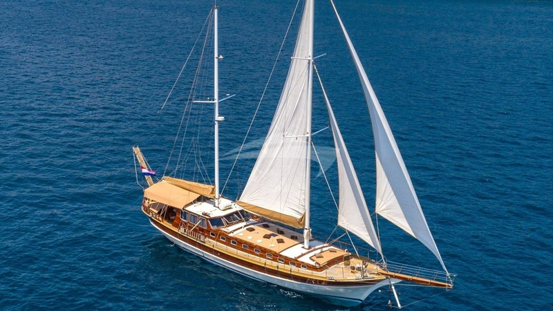 ANGELICA Yacht Charter