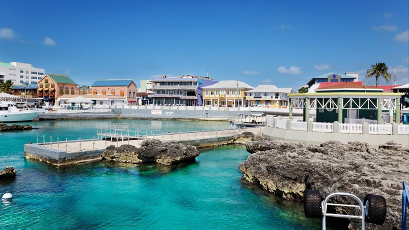 waterfront shopping aread, geroge town, cayman