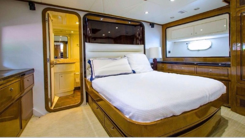 OUR NAUTI DREAM :: Master Cabin