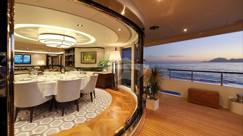 AURELIA :: Aft Deck To Dining