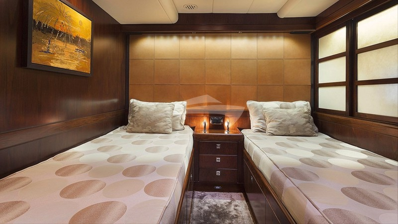 Guest Cabin - Twin Beds