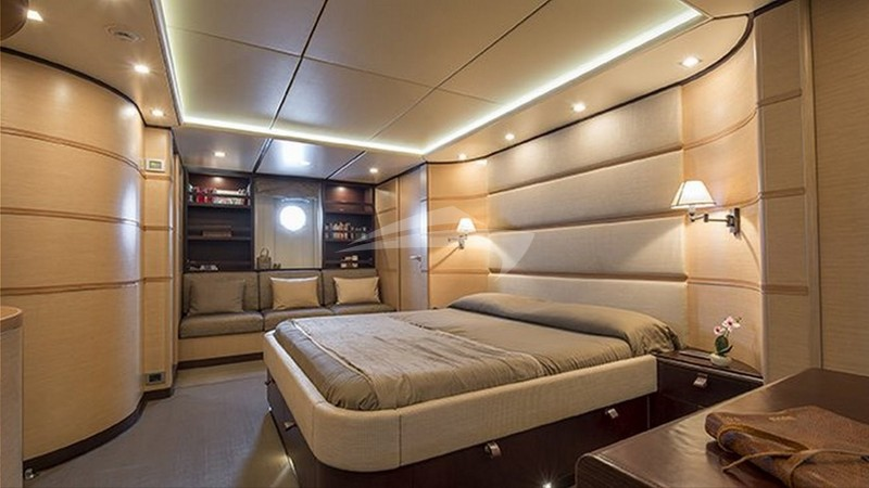 INDIAN :: Master Stateroom