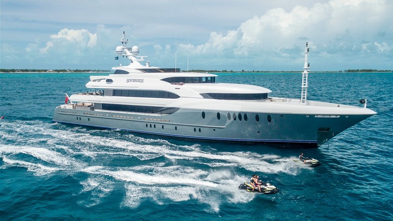 Yacht Charter SOVEREIGN