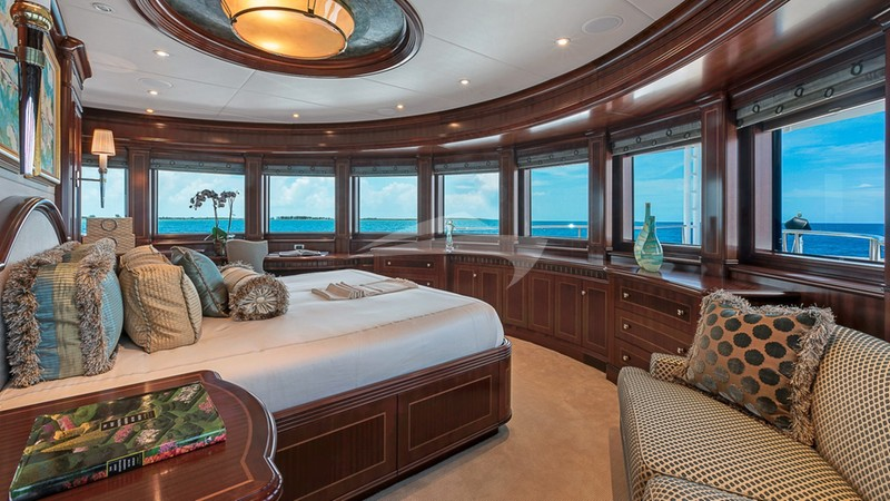 SOVEREIGN :: VIP stateroom