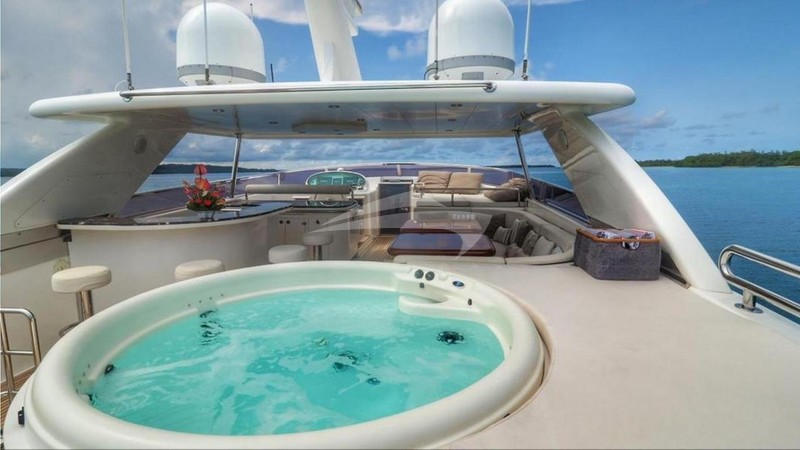 ENCORE :: Jacuzzi hot tub