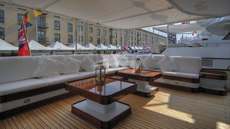 CD TWO :: Aft deck
