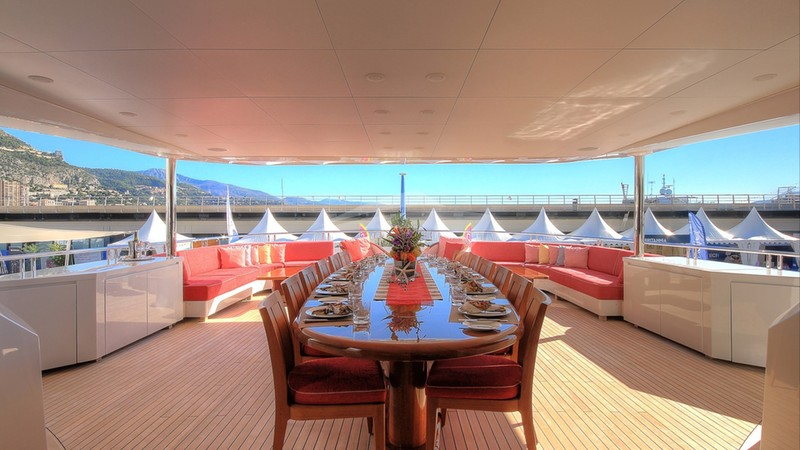 BALISTA :: Deck and Dining