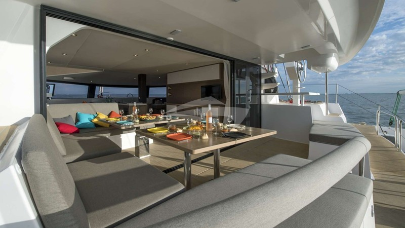TRILOGY :: Fantastic Exterior Dining Experience