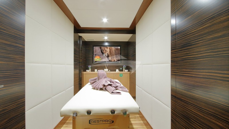 MEIRA :: Massage Room