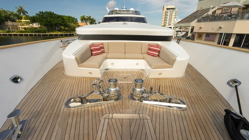 GLADIUS :: Bow Seating