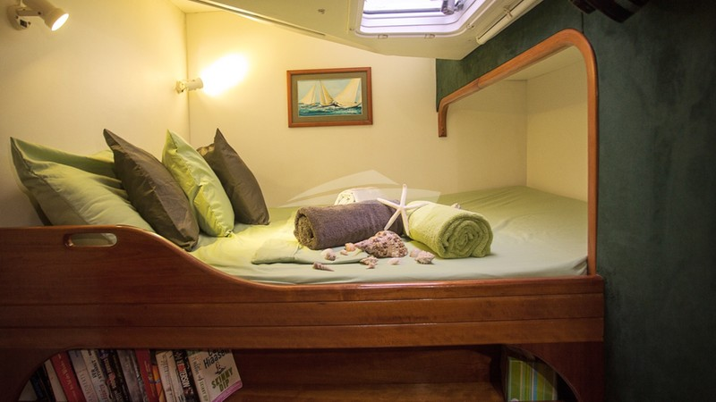 Forward starboard guest suite