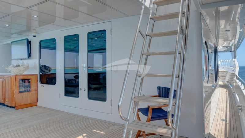 Stairs to aft deck and flybridge