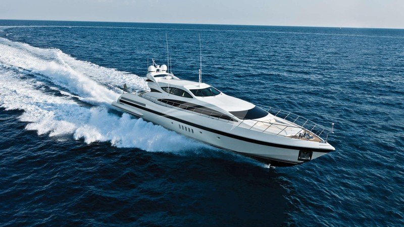 ALLURE Yacht Charter