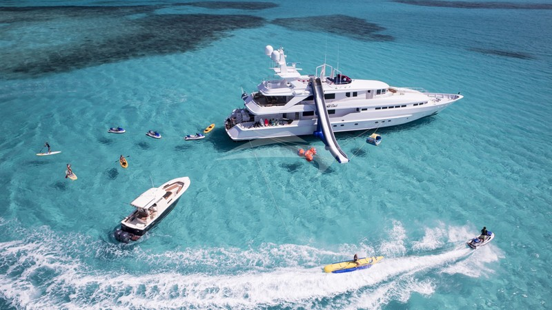 AT LAST Yacht Charter