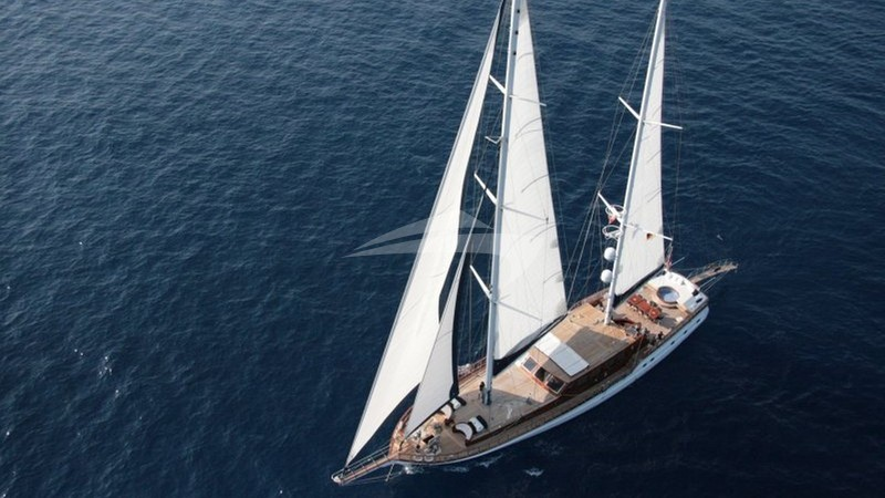 BLUE EYES Yacht Charter