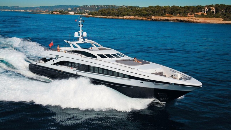 G-FORCE Yacht Charter